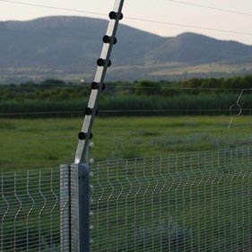 Betaview fence with full electric fencing_07
