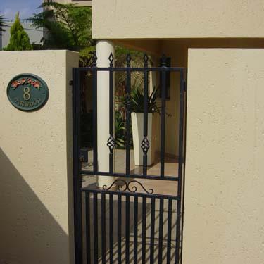 Security_gate28