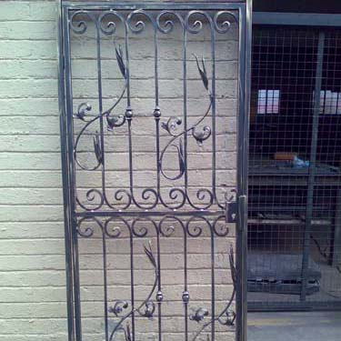 Security_gate29
