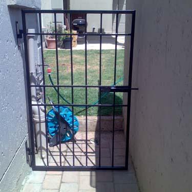 Security_gate30