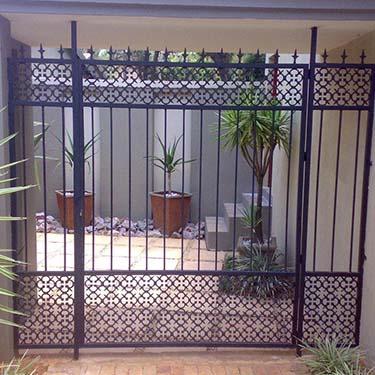 Security_gate31