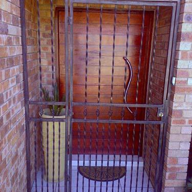 Security_gate32